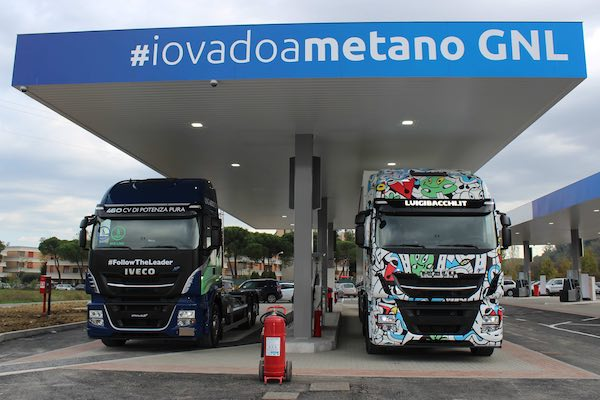 IVECO Stralis NP 460s at Pesaro C-LNG station opening
